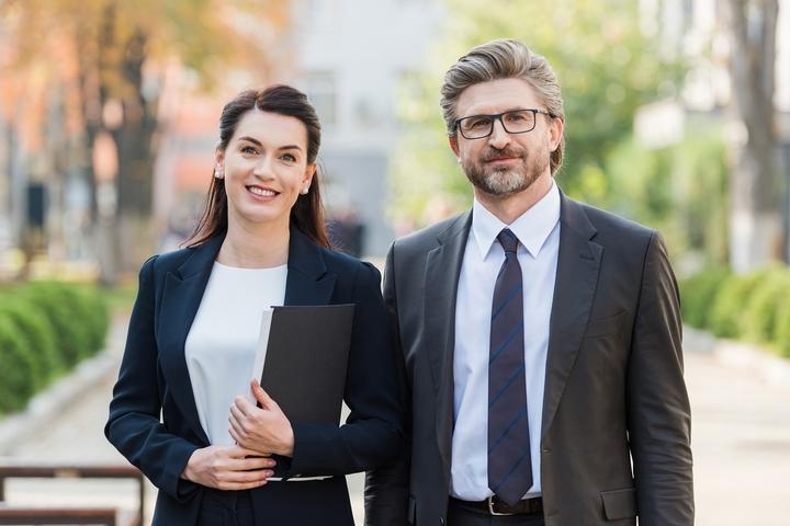 Insurance Brokers vs Agents: 7 Differences Between Brokers ...
